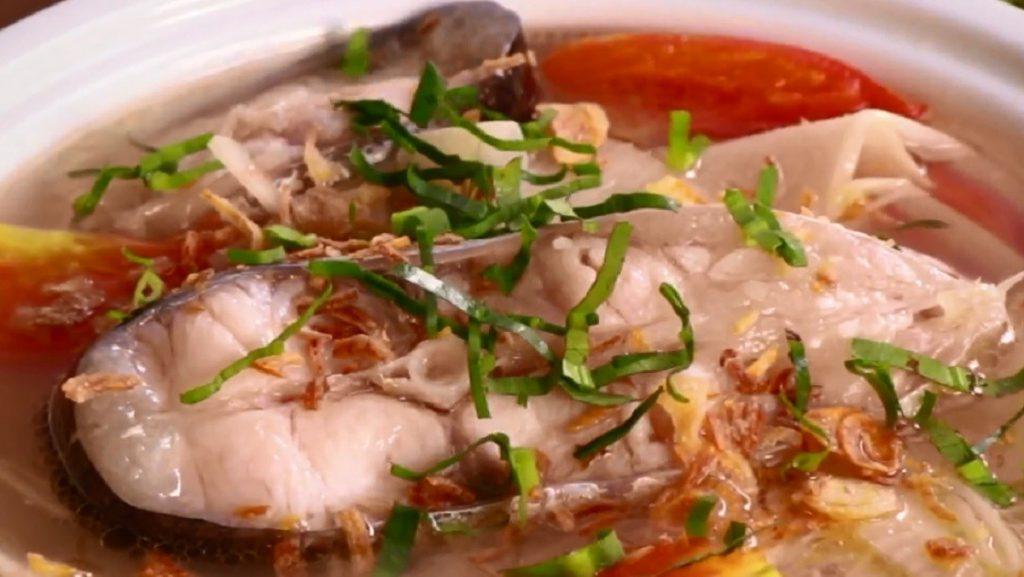 canh cá hú măng chua